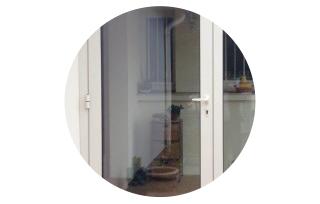 Porte-fenêtre avec fermeture à clé