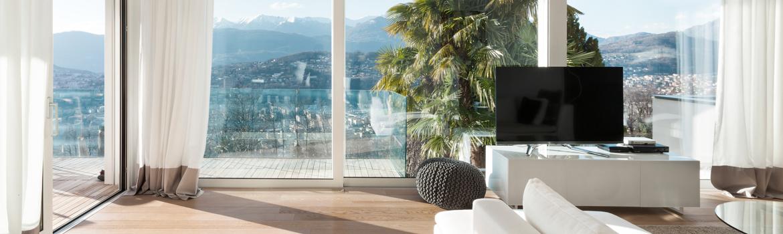 Appartement avec baie vitrée pour profiter de la vue et amener un maximum de lumière