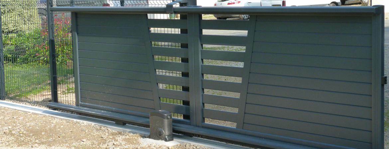 Quelle alimentation choisir pour un portail coulissant aluminium