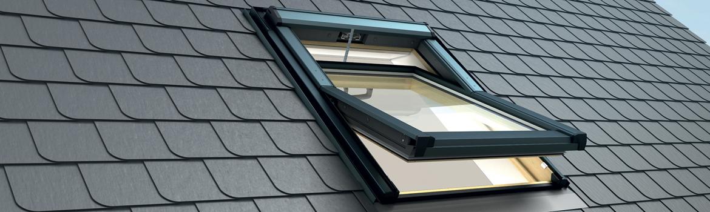 Fenêtre de toit à ouverture à projection, sur maison neuve