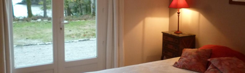 Profitez d'un maximum de lumière dès le matin en plaçant votre lit proche d'une ouverture