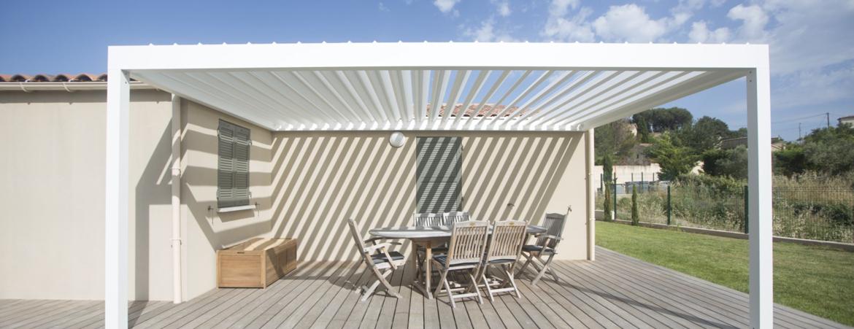 Pergola pour salon de jardin, pergola à lames orientables avec structure aluminium blanche