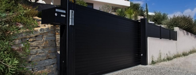 comment fonctionne un portail automatique coulissant. Black Bedroom Furniture Sets. Home Design Ideas