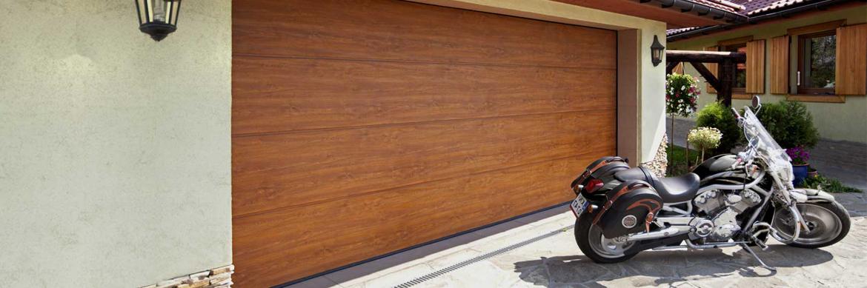 Porte de garage sectionnelle couleur bois