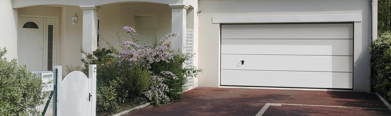 Prix de porte de garage sectionnelle nos conseils de pros for Porte de garage sectionnelle laterale pas cher