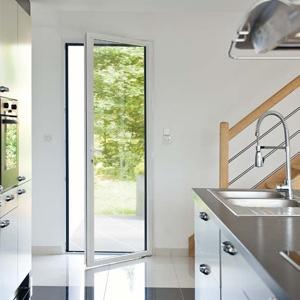 portes fen tres sur mesure porte fen tre pvc porte fen tre alu. Black Bedroom Furniture Sets. Home Design Ideas