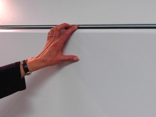 Système de panneau anti pince doigts