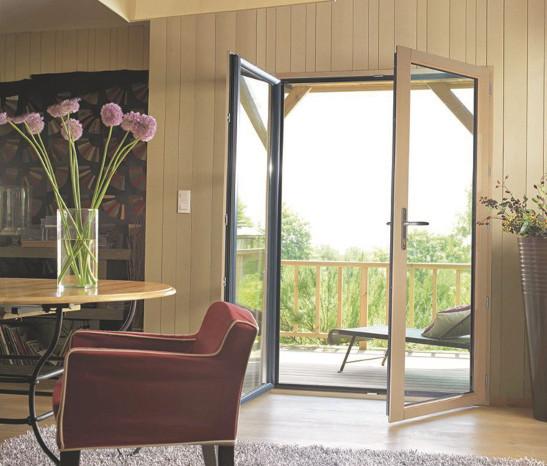 Porte fenêtre posée dans un salon