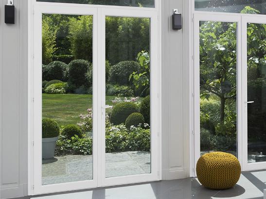 Porte fenêtre dans un salon