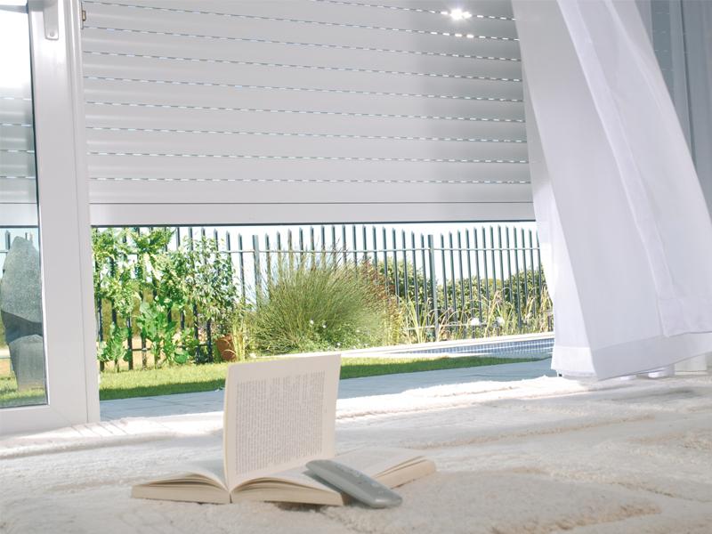 volet roulant traditionnel sur mesure volet roulant alu pour coffre. Black Bedroom Furniture Sets. Home Design Ideas